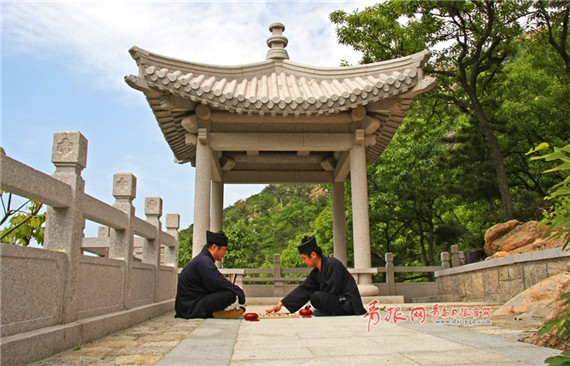 Lives of Taoist priests on Laoshan Mountain